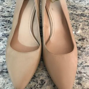 Women's Size 12 NWT Nude Heels